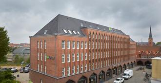 H+ Hotel Lübeck - Lübeck - Edificio