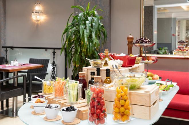The Three Corners Hotel Bristol - Budapest - Buffet