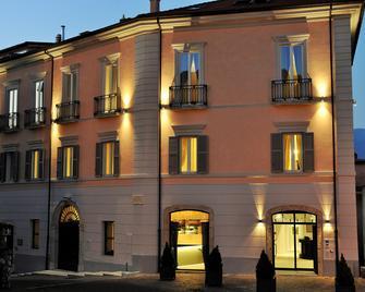 Palazzo Del Senatore - Atina - Building