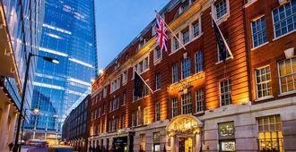 London Bridge Hotel - London - Building