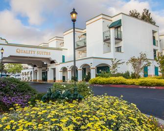 Quality Suites Downtown San Luis Obispo - Сан-Луїс-Обіспо - Building