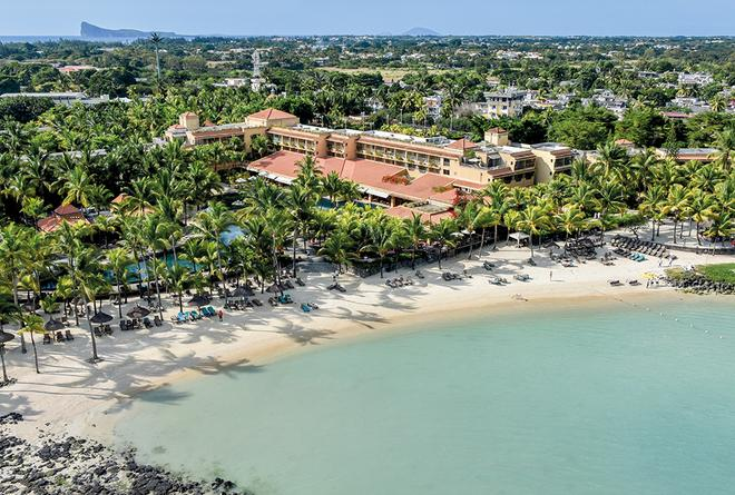 Mauricia Beachcomber Resort & Spa - Grand Baie - Beach
