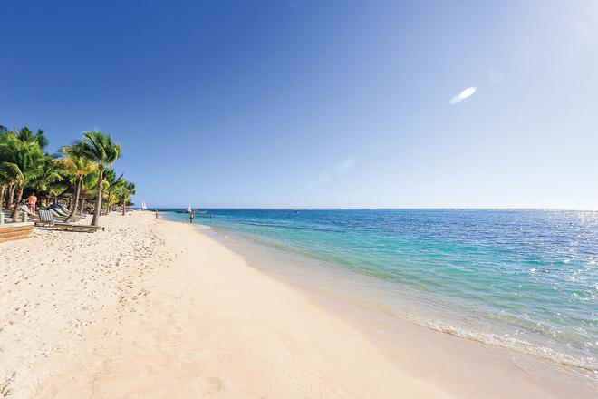 Victoria Beachcomber Resort & Spa - Pointe aux Piments - Beach