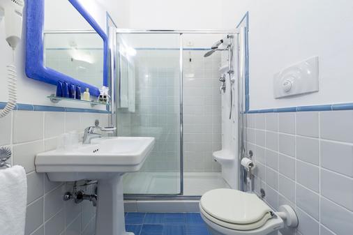 黎萊斯雷吉納喬凡娜酒店 - 索倫托 - 索倫托 - 浴室