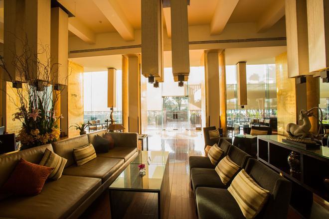 Ramada Plaza by Wyndham Bangkok Menam Riverside - Bangkok - Lobby