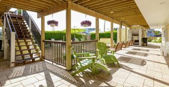 Ocean Resort Inn - Montauk - Outdoor view