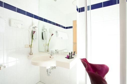 Rilano 24 7 Hotel Wolfenbüttel - Wolfenbüttel - Bathroom