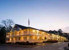 Plantation Oaks Suites & Inn - Millington - Building