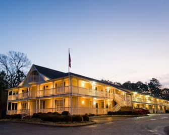 Plantation Oaks Suites & Inn - Millington - Gebäude