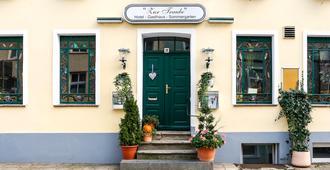 Romantisches Hotel Zur Traube Schwerin - Schwerin - Edificio