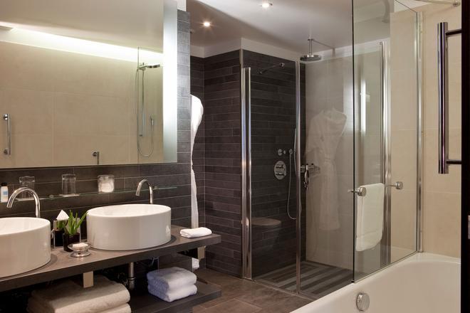 Renaissance Paris Arc de Triomphe Hotel - Paris - Salle de bain
