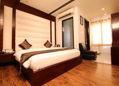 Hotel Seven Junction - Ambāla - Bedroom