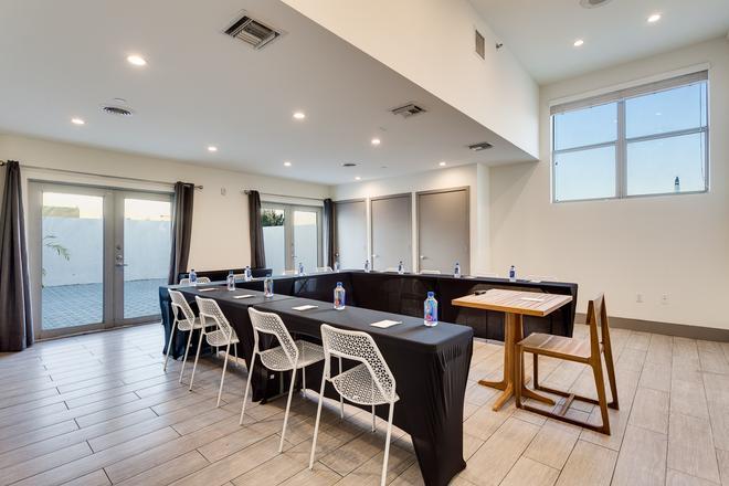 Clinton Hotel South Beach - Μαϊάμι Μπιτς - Aίθουσα συνεδριάσεων