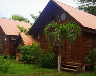 Hotel Cabanas La Teca - Liberia - Habitación