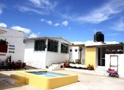 Nahui Hostal - Sonsonate - Edificio