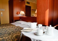Novo Hotel Rossi - Βερόνα - Κρεβατοκάμαρα