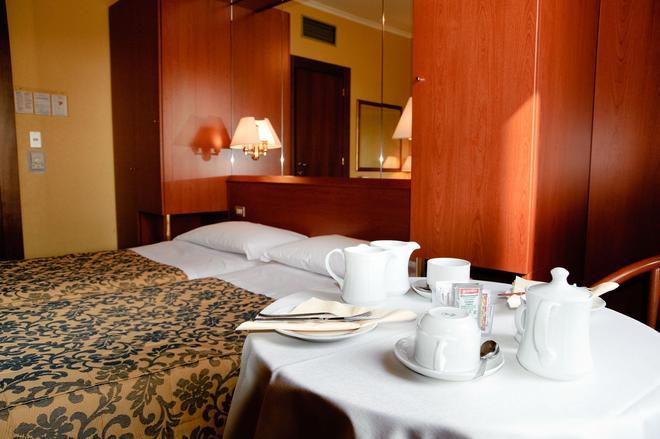 羅斯新酒店 - 維羅納 - 維羅納 - 臥室