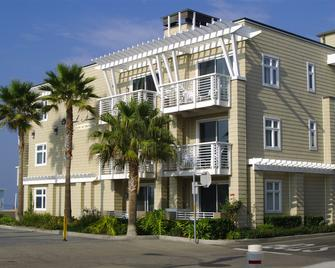 Beach House Hotel at Hermosa Beach - Hermosa Beach - Building