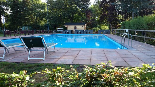 Apollo Hotel Veluwe De Beyaerd - Hulshorst - Pool