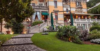 Hotel Laurin - Salò - Building