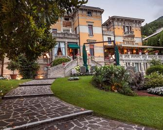 Hotel Laurin - Salo (Lombardy) - Building