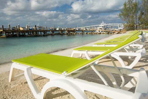 Warwick Paradise Island Bahamas - Adults Only - Nassau - Beach