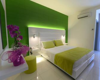 Giulivo Hotel&Village - Baia Domizia - Bedroom
