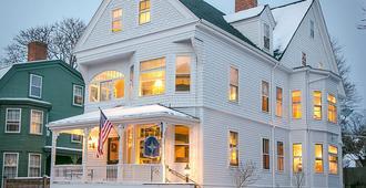 Chart House Inn - Ньюпорт - Здание