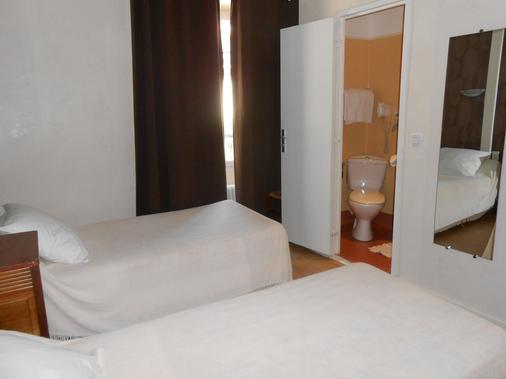 La Vieille Auberge - Saint-Privat-d'Allier - Bedroom