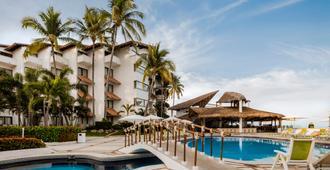 Buenaventura Grand Hotel & Great Moments - פוארטו ויארטה - בניין
