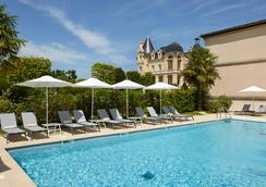 Chateau Hotel & Spa Grand Barrail - Saint-Émilion - Pool