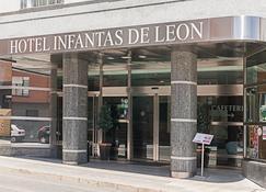 Hotel Infantas De León - León - Building