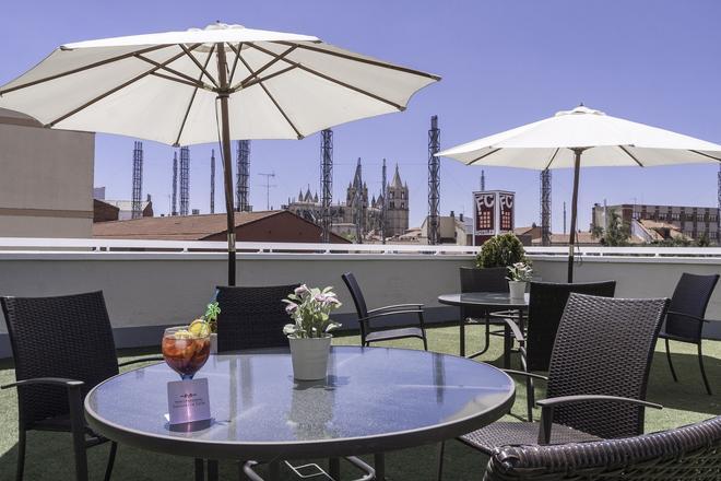 萊昂公主酒店 - 里昂 - 萊昂 - 陽台