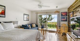 Beach Plum Resort - Montauk - Bedroom