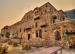 Dadhikar Fort - Alwar - Building