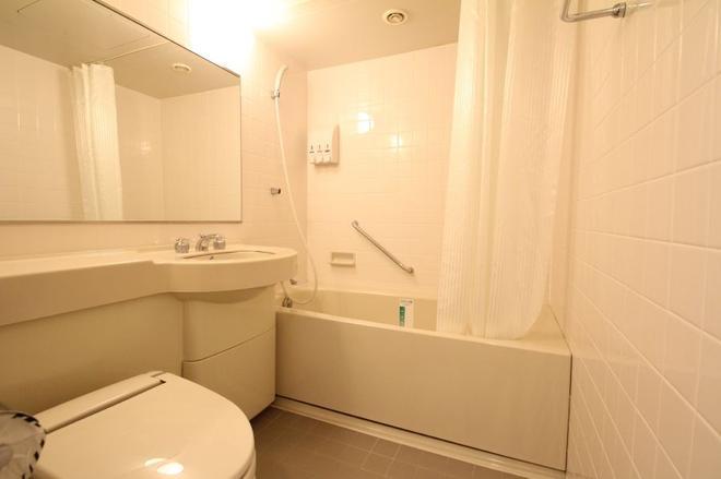 Apa Hotel Fukuoka Watanabedori Ekimae Excellent - Fukuoka - Bathroom