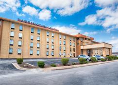 巴靈頓套房酒店 - 布蘭森 - 布蘭森 - 建築