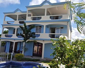 Villa Emax - Calodyne - Edificio