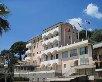 Hotel Elena - Recco - Building