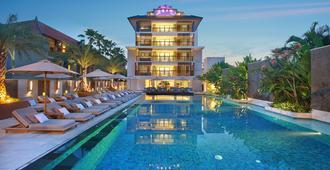 The Bandha Hotel & Suites - Kuta - Pool