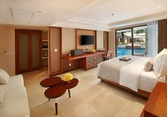 The Bandha Hotel & Suites - Kuta - Bedroom