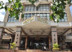 Weston Hotel - נאירובי - בניין