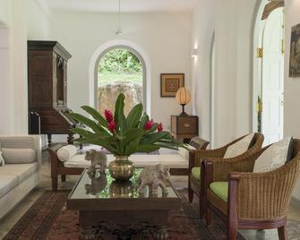 Pooja Kanda – an Elite Haven - Koggala - Living room