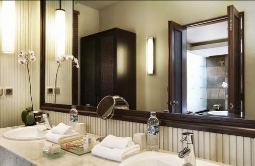 馬哈普拉別墅酒店 - 登巴薩 - 登巴薩 - 浴室