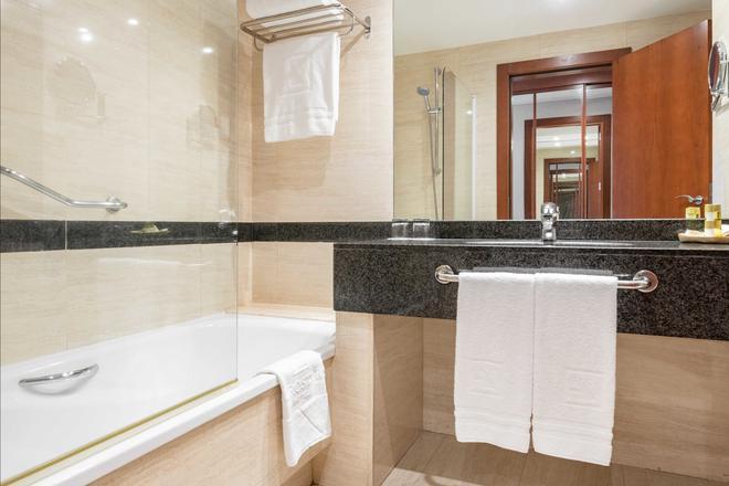 聖拉薩羅歐洲之星酒店 - 聖地牙哥康波 - 聖地牙哥德孔波斯特拉 - 浴室