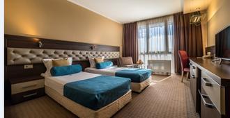 Business Hotel Plovdiv - Plovdiv - Bedroom