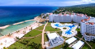 Bahia Principe Luxury Runaway Bay, Adults Only - Runaway Bay - Outdoors view