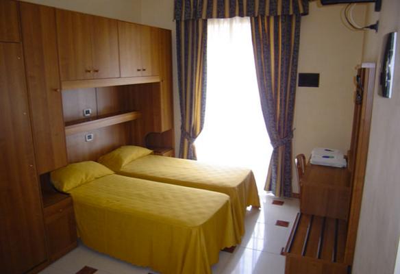 馬里2號飯店 - 羅馬 - 臥室
