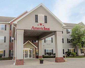 AmericInn by Wyndham Fulton Clinton - Fulton - Building