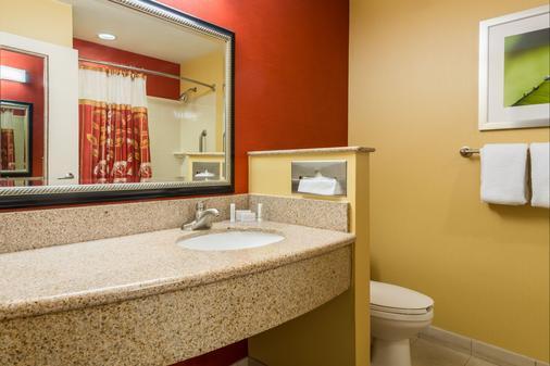 Courtyard by Marriott Philadelphia Montgomeryville - North Wales - Bathroom